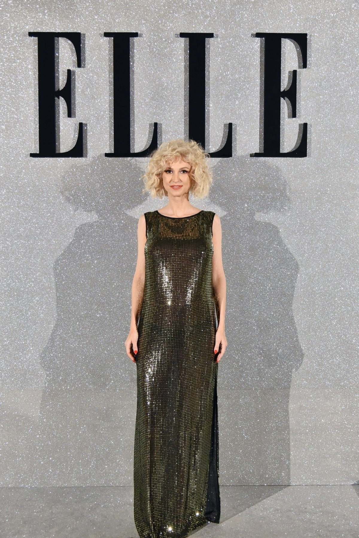 Andreea Balan dazzling in OMRA dress at ELLE Style Awards