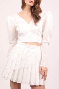 White embroidered cotton pleated mini skirt with Chantilly lace