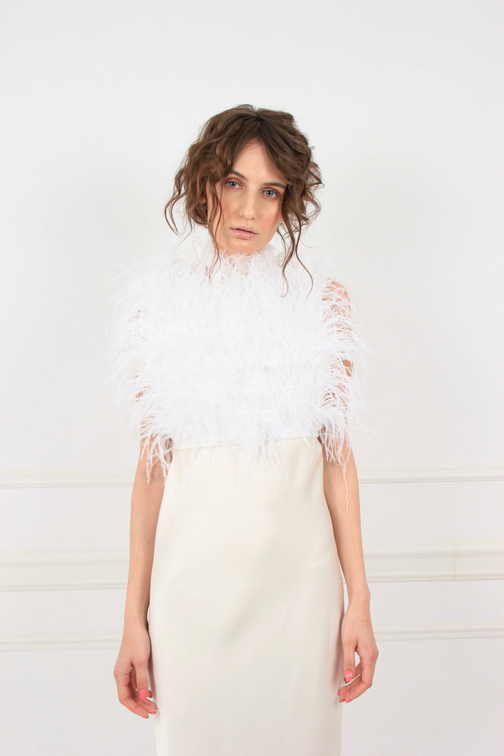 White rose feathers top