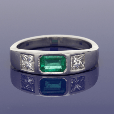 18ct White Gold Emerald & Diamond Trilogy