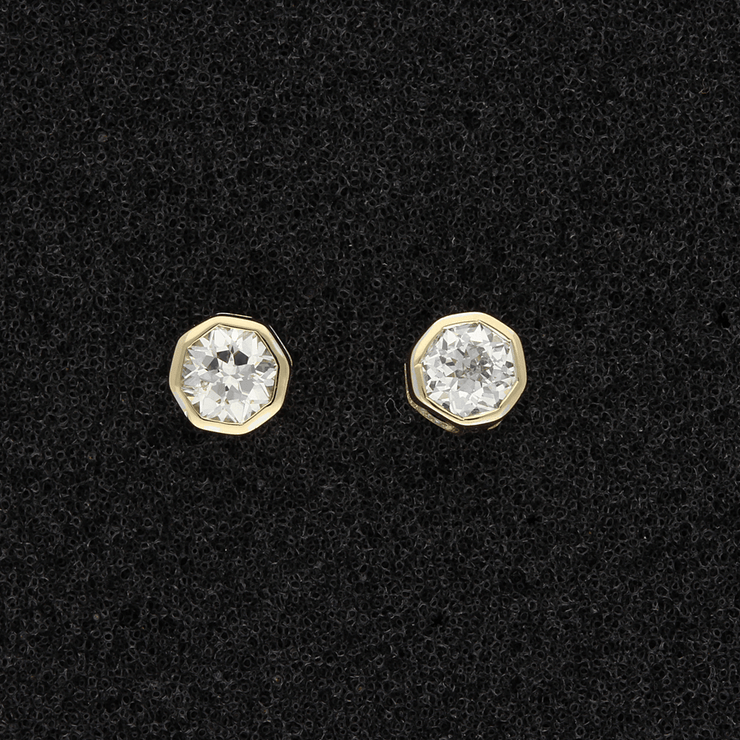 18ct Yellow Gold Emdicut Diamond Stud Earrings