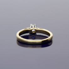 18ct Yellow Gold and Diamond Solitaire Ring