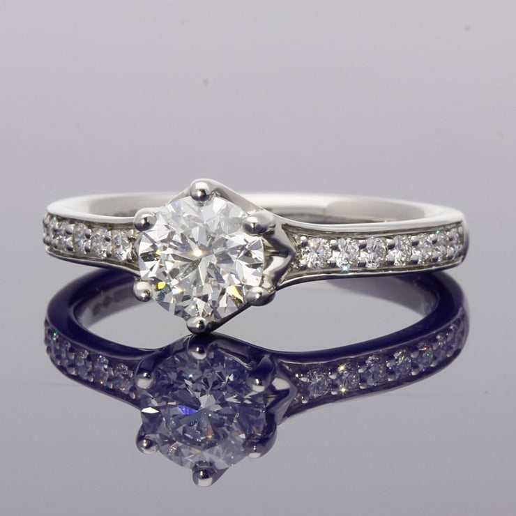 Platinum Certificated 0.90ct Round Brilliant Cut Diamond Solitaire Engagement Ring with Diamond Set Shoulders