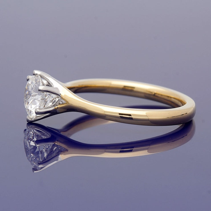 18ct Yellow Gold Certificated 1.01ct Diamond Solitaire Ring D/VS1