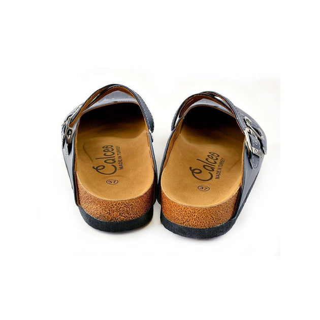 CALCEO Black and Brown Colored Bat Patterned Clogs - WCAL142 Women Clogs Shoes - Goby Shoes UK