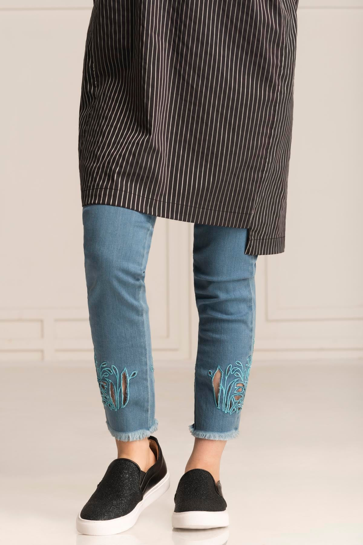Bottom Cutwork L-Blue Denim