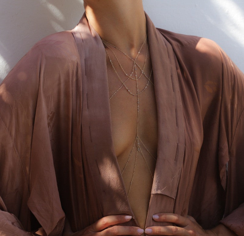wear the elegant body chain jewelry with Kimono