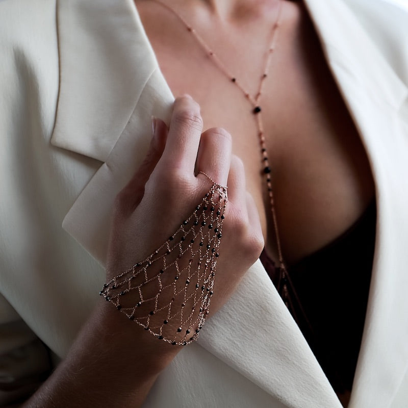 wear a hand chain for an elegant night out