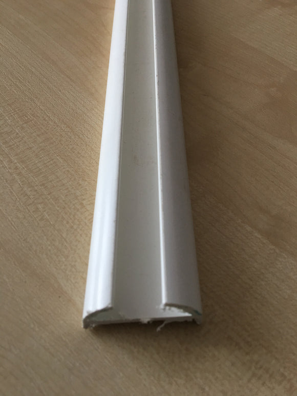 PLASTIC RUB STRAKE ( WITHOUT COLOURED INSERT) SOLD IN SINGLE METRE LENGTHS