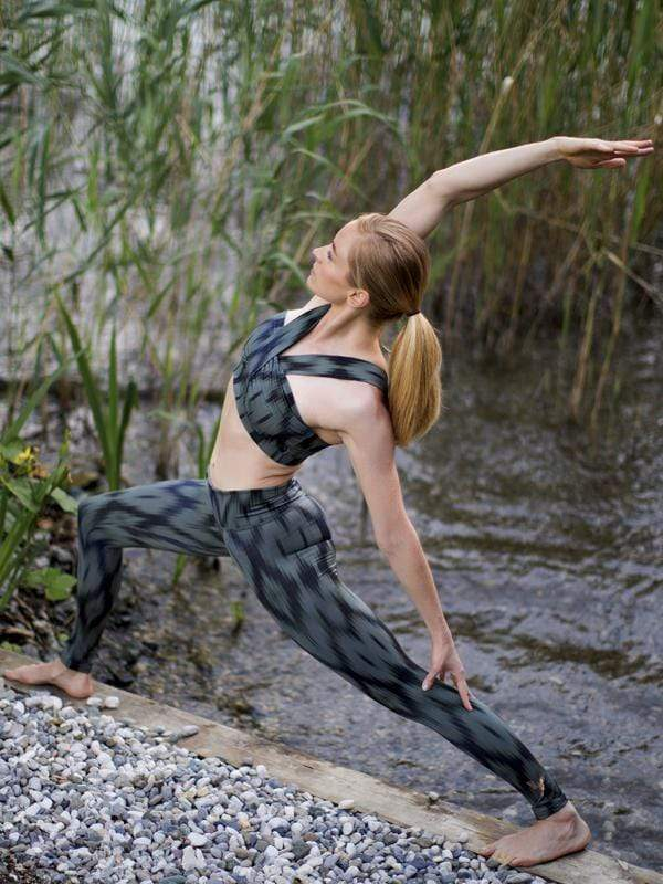 KISMET yoga Yoga Shape Leggings Devi. Recycled Polyester. sustainable fashion ethical fashion