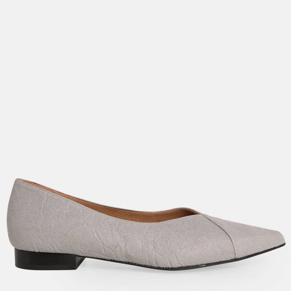 Ananas Gris Vegan Shoes in Pineapple Leather.