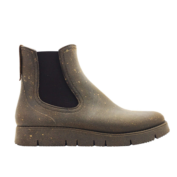 NAT 2 shoe Rugged Prime Chelsea Cork Rain Boots. Rubber and Recycled Cork. sustainable fashion ethical fashion