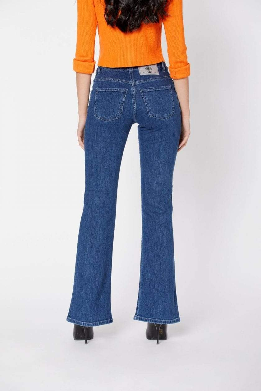 Par.co DENIM pants Tulipano Bootcut Jeans in Organic Cotton. sustainable fashion ethical fashion