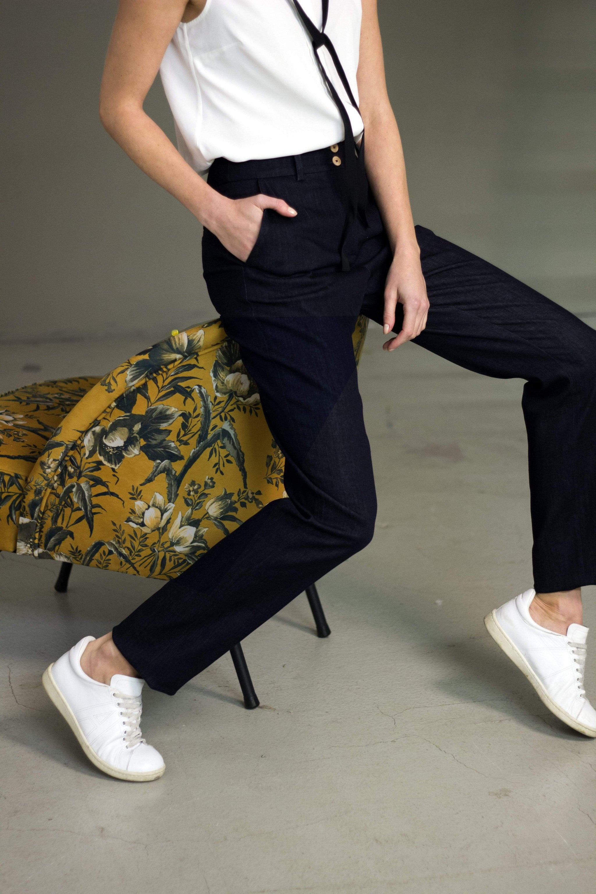 the Blue suit pants EVE Pants in Organic Cotton. sustainable fashion ethical fashion