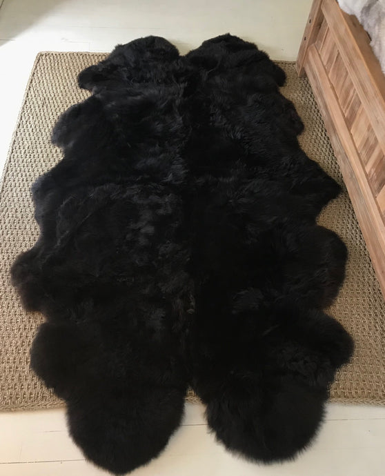 Quad Sheepskin Rug Natural black