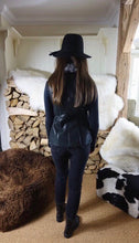 'Eilish' Black gilet with decoration lambskin