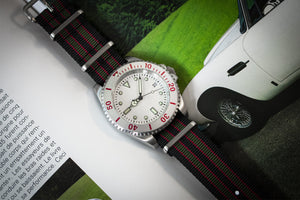 Enoksen Bond NATO Watch Strap (20mm) - Green & Red