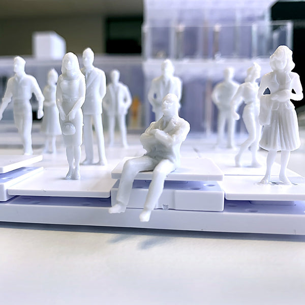 13 Architectural model figurines to scale