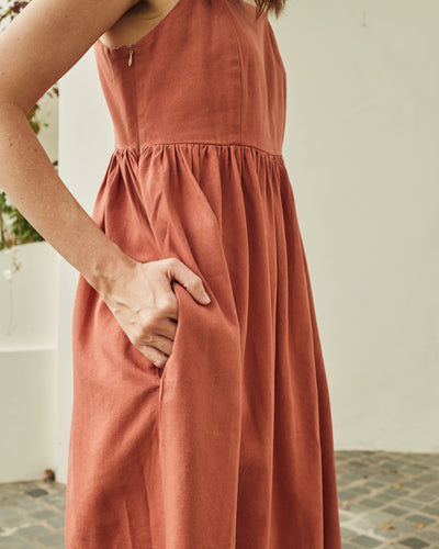 Breezy Dress Rust / PRE-ORDER FOR CERTAIN SIZES