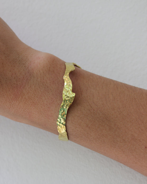 Waterflow Cuff