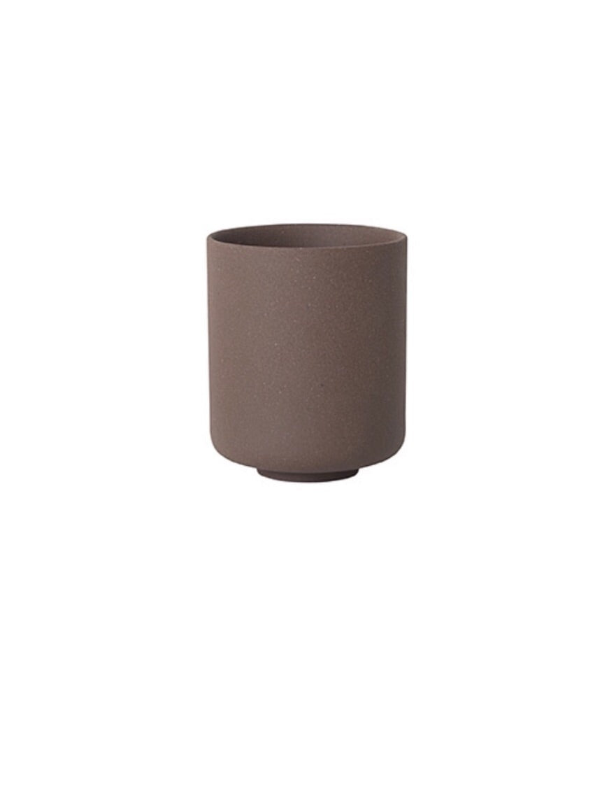 Ferm Living Sekki Cup In Rust