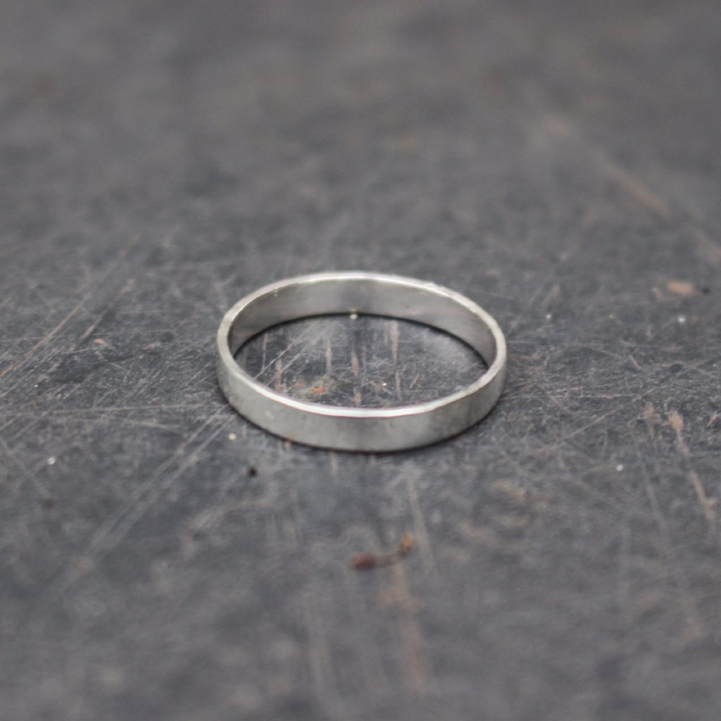 Band ring: recycled sterling silver with smooth finish.