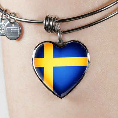 Sweden Flag Heart Pendant Bangle - lottierocks