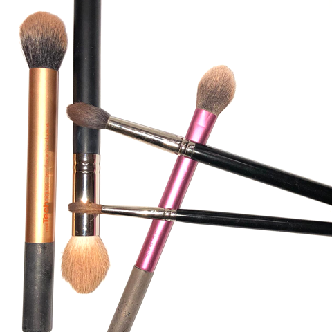 The BEST and QUICKEST way to clean your make up brushes!