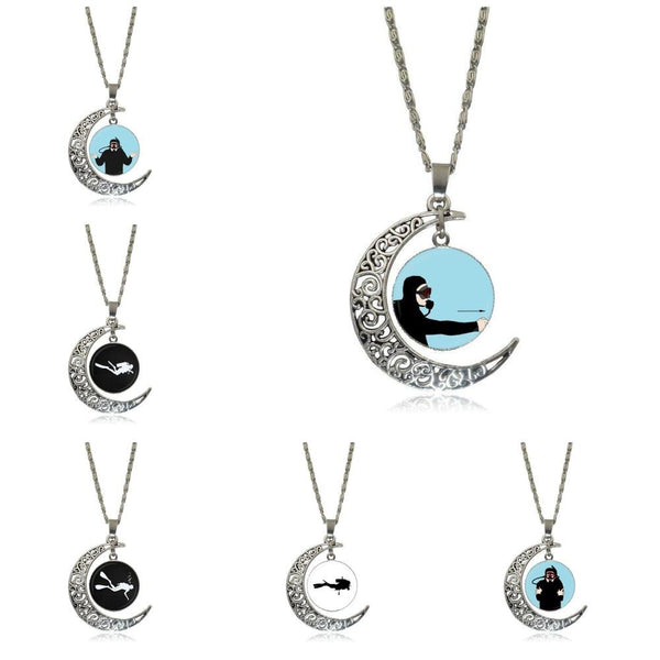 EJ Glaze Fashion Jewelry Vintage Glass Necklace With Crescent Moon For Girls Wholesale Scuba Diver