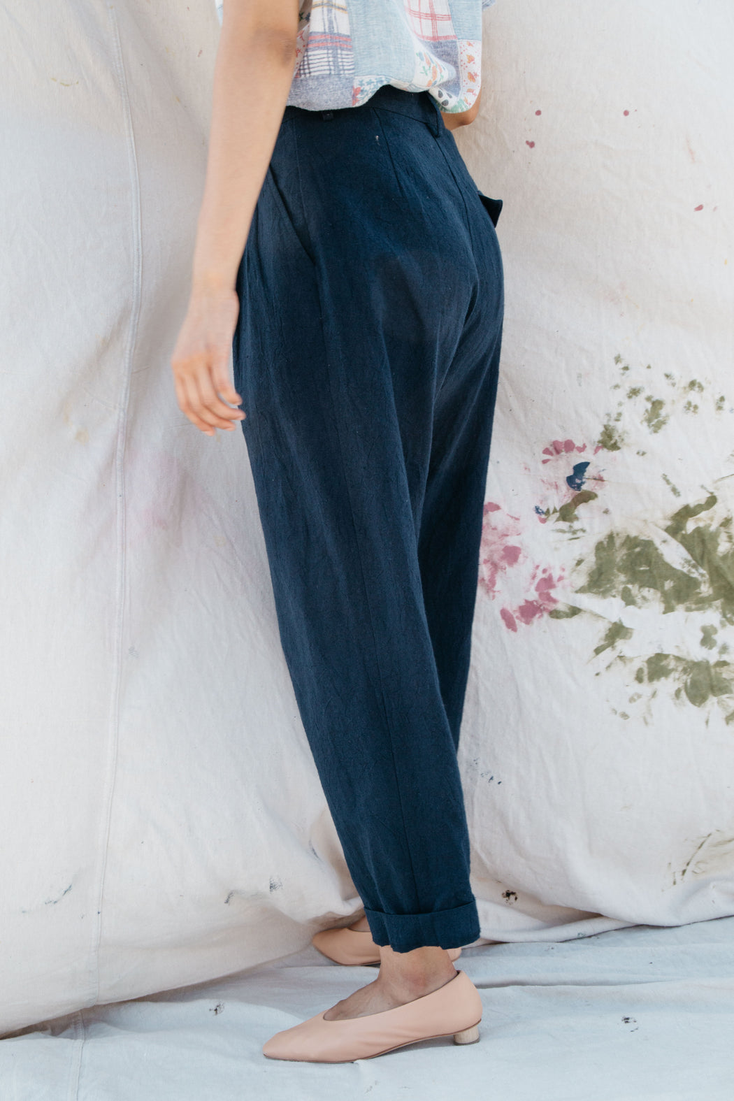SOL PLEATED TROUSER - NAVY COTTON LINEN
