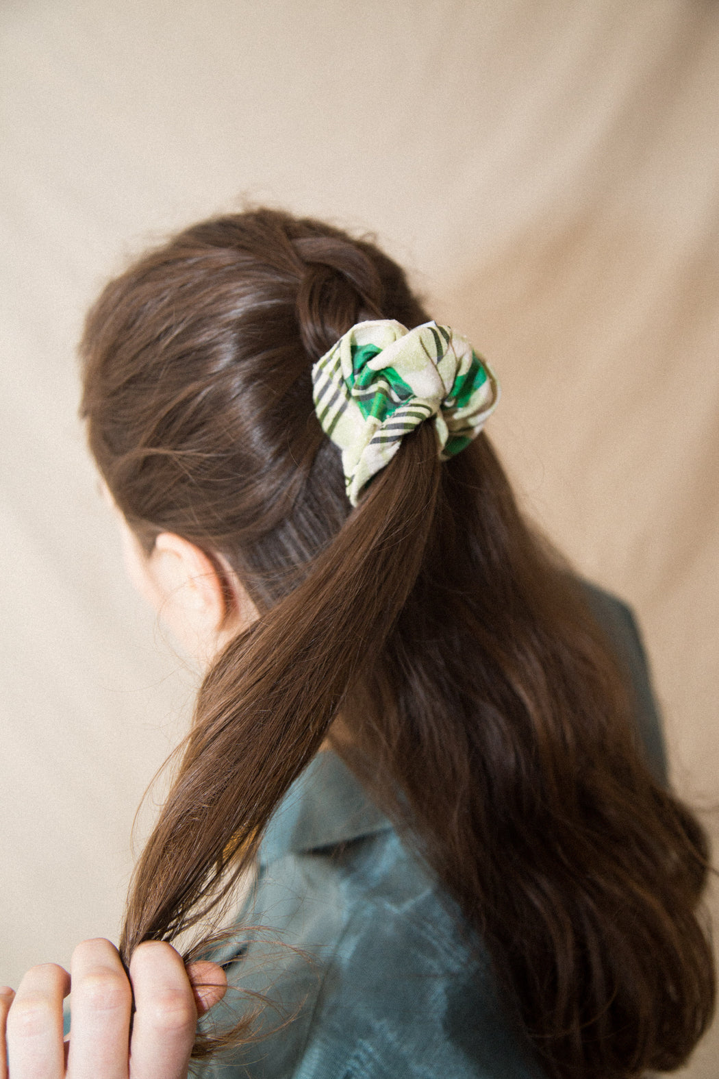 SCRAP FABRIC SCRUNCHIE
