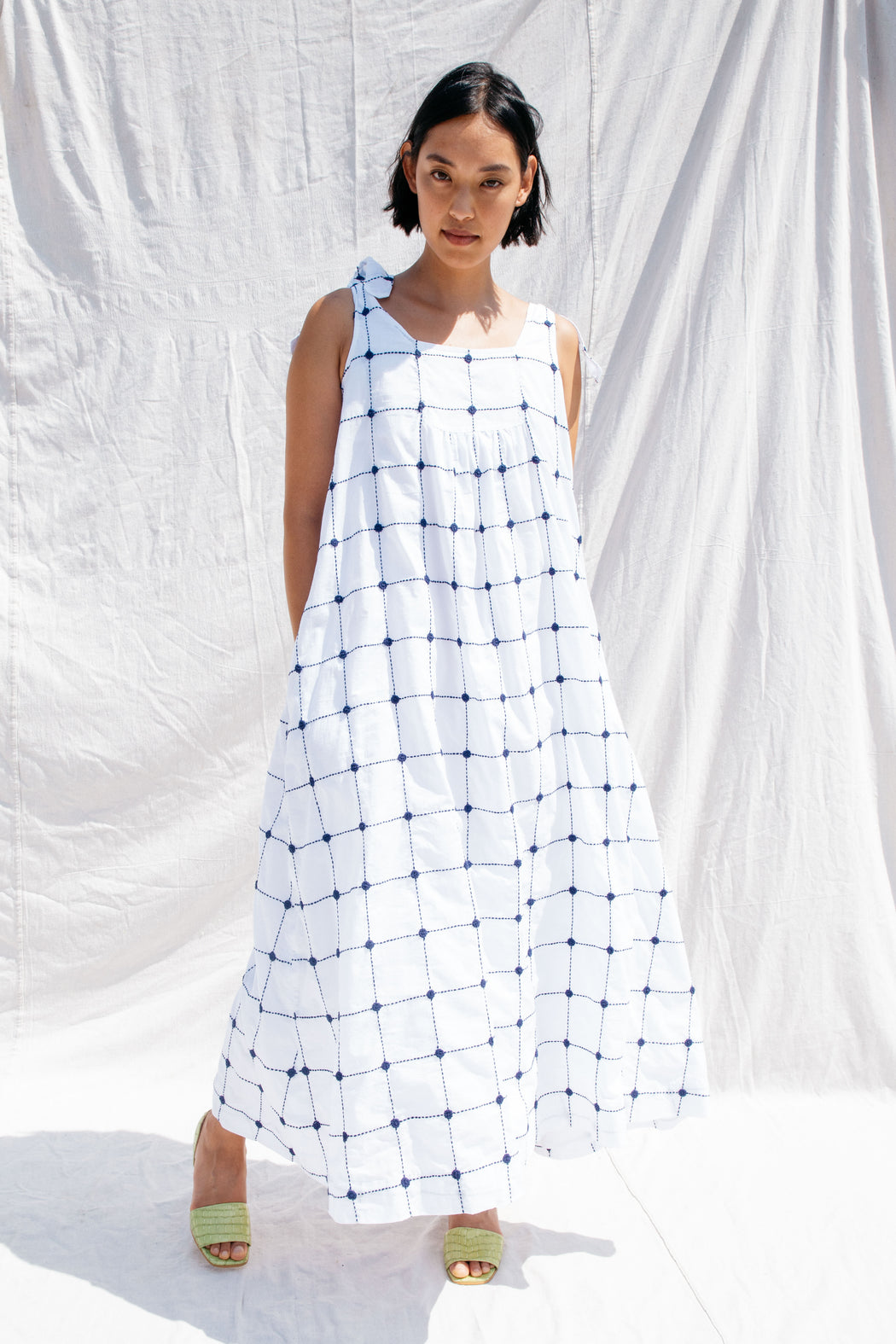 SOLSTICE DRESS, WHITE/NAVY
