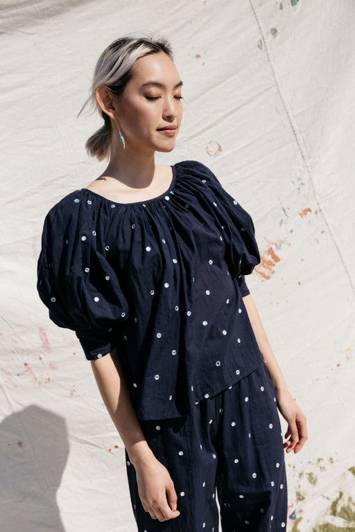 JULI PUFF SLEEVE TOP, NAVY VANITY COTTON