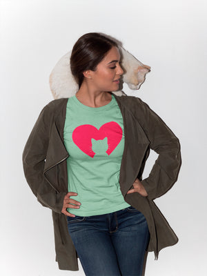 Photo-of-a-woman-posing-with-her-cat-in-her-shoulders-wearing-a-green-t-shirt-WearPet-I-love-my-cat