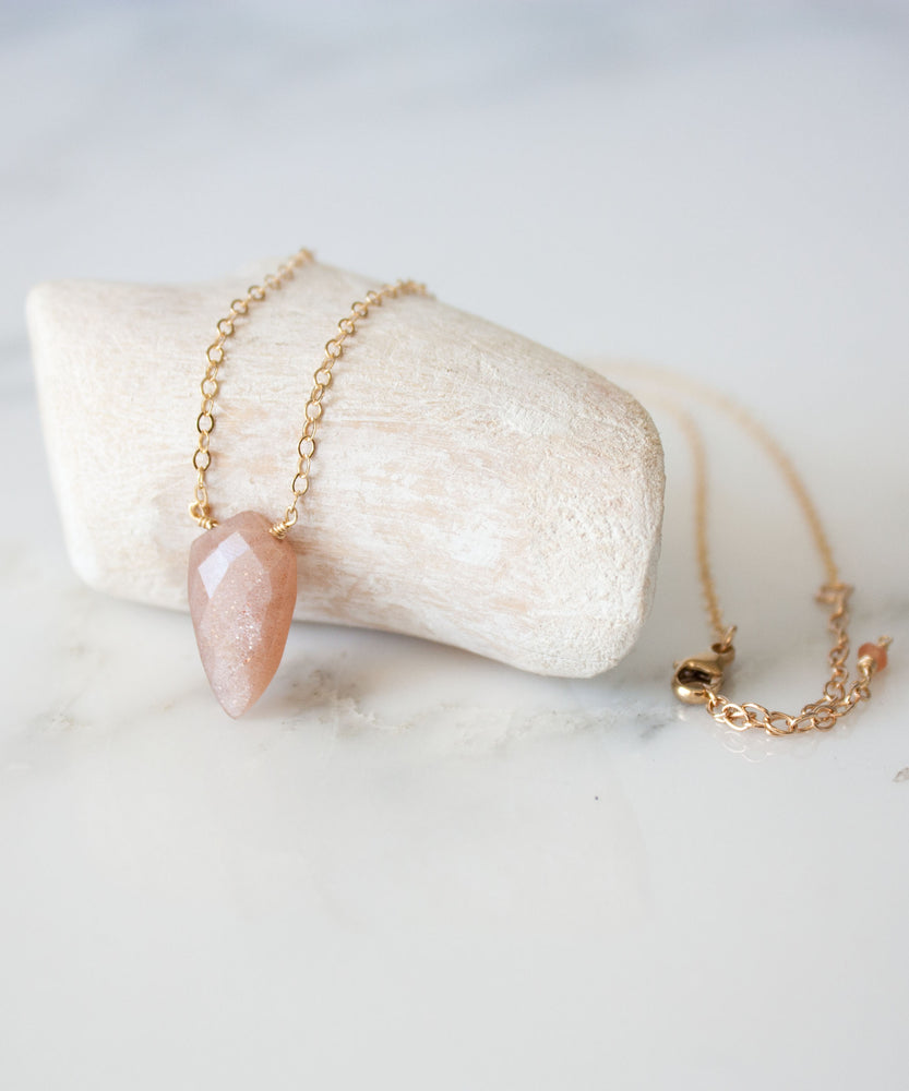 Neve Faceted Pendant Necklace | Peach Moonstone