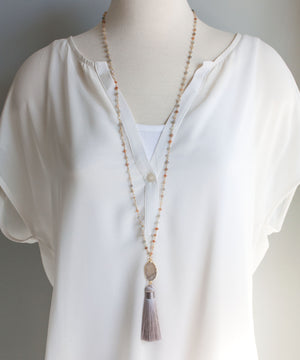 Load image into Gallery viewer, Della Druzy Tassel Necklace | Moonstone