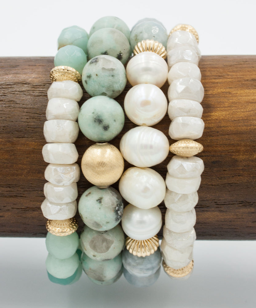 Load image into Gallery viewer, Kaia Pearl Accent Bracelet | Aquamarine