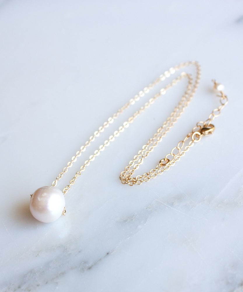 Neri Pearl Necklace