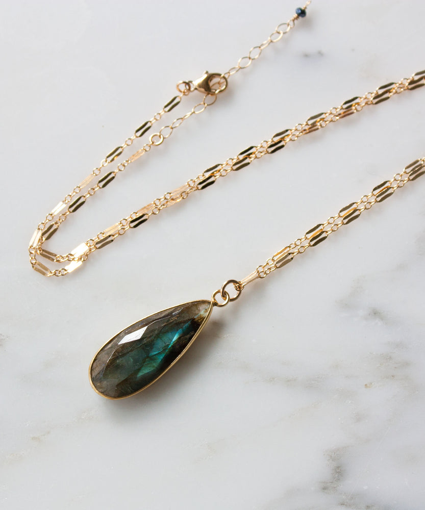 Vivien Gemstone Pendant Necklace | Labradorite