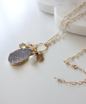 Load image into Gallery viewer, Genevieve Druzy Charm Necklace