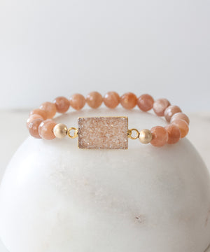 Load image into Gallery viewer, Lucca Druzy Accent Bracelet | Sunstone
