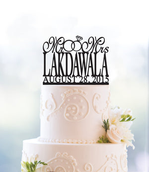 Traditional Last Name Two Ring Wedding Cake Topper with Date, Personalized Wedding Cake Topper, Custom Mr and Mrs Wedding Cake Topper T027
