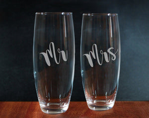 Set Of Mr And Mrs Stemless Champagne Flutes (GG4009)