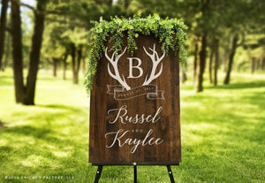 Custom Wreath Wedding Sign (GP1162)