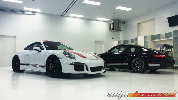 This week in the Auto Obsessed Detailing Studio we had the good fortune of perfecting a pair of truly exceptional Porsches!