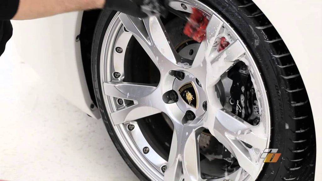 Tutorial: how to wash car wheels and tires demonstration by Auto Obsessed.