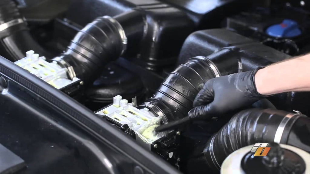 How to Clean your Engine Bay, cleaning engine demonstration by Auto Obsessed