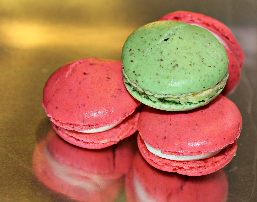 French macaroons with pistachio creme filling