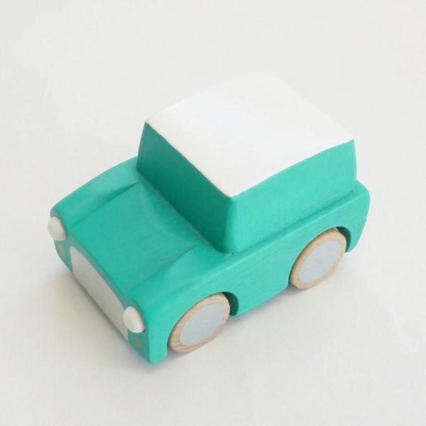 kuruma - classic wooden wind up car (green)