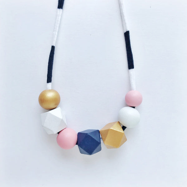 allie large necklace